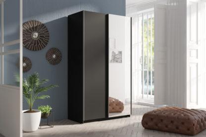 Černá šatní skříň se zrcadlem Tithali 120 cm